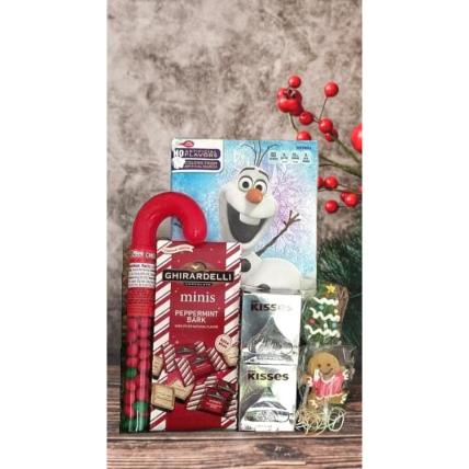 Kisses Christmas Basket: Christmas Gift Hampers