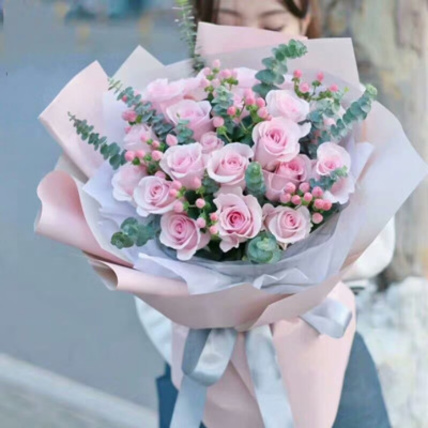 Sweet Rose Bouquet: midnight-delivery-gifts
